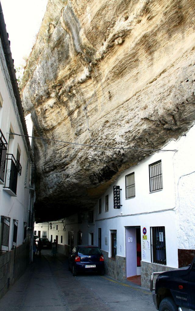 strange town in Spain-03