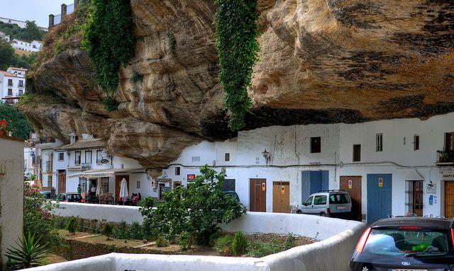 strange town in Spain-08