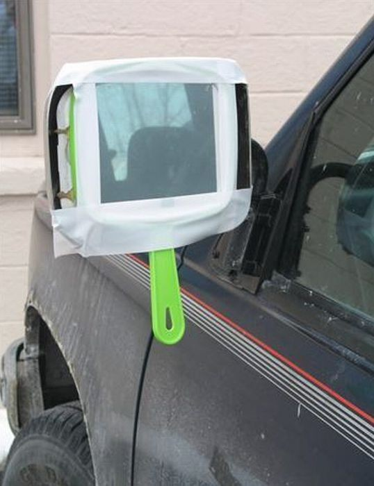 And this person using a hand mirror on their car