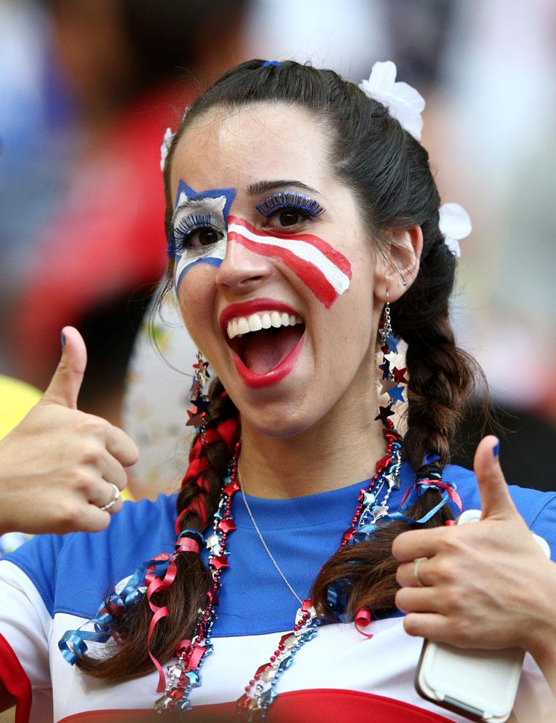 hot women american football fans