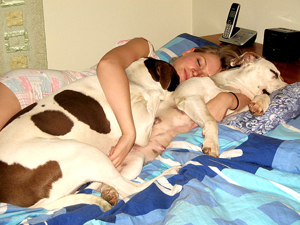 Sleeping With Dogs-08