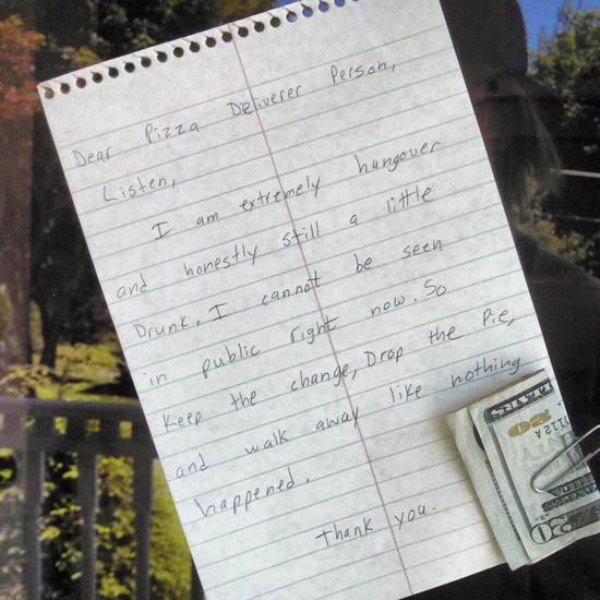 A note for pizza deliverer