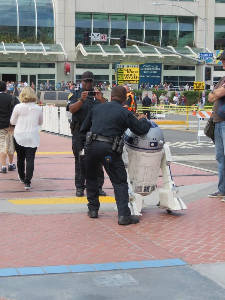 Cops Having Fun-09