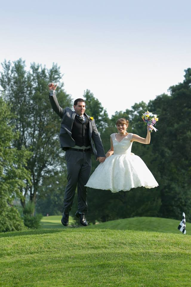 No, this bride is not a hovercraft.