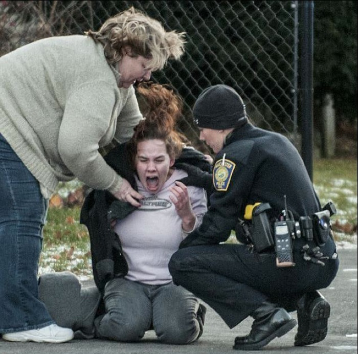 This picture of a woman who just learned that her fiance was murdered.