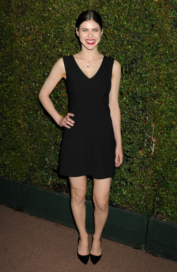 how tall is alexandra daddario