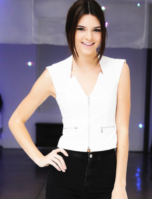 how old is kendall jenner