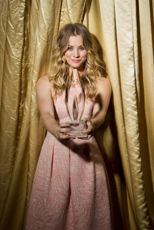 kaley cuoco awards