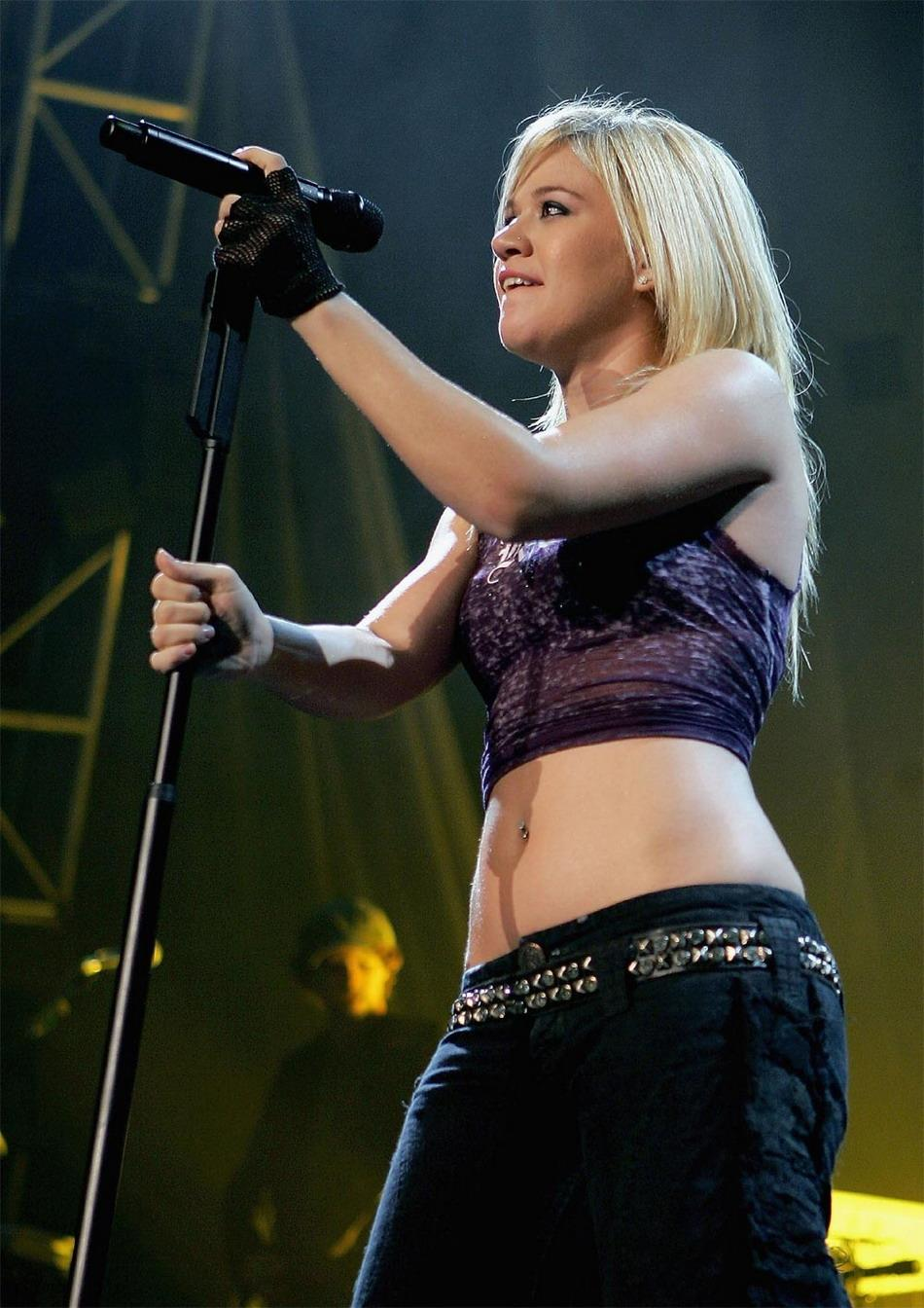 ... images kelly clarkson live ...