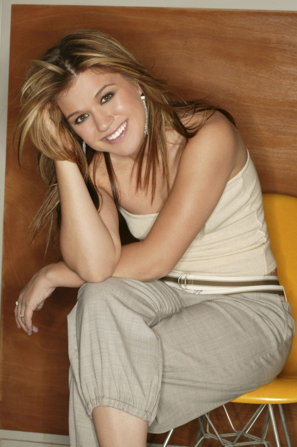 pictures of kelly clarkson