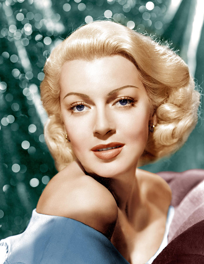 Lana Turner pictures and photos