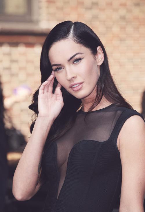 Megan Fox - beautiful women body