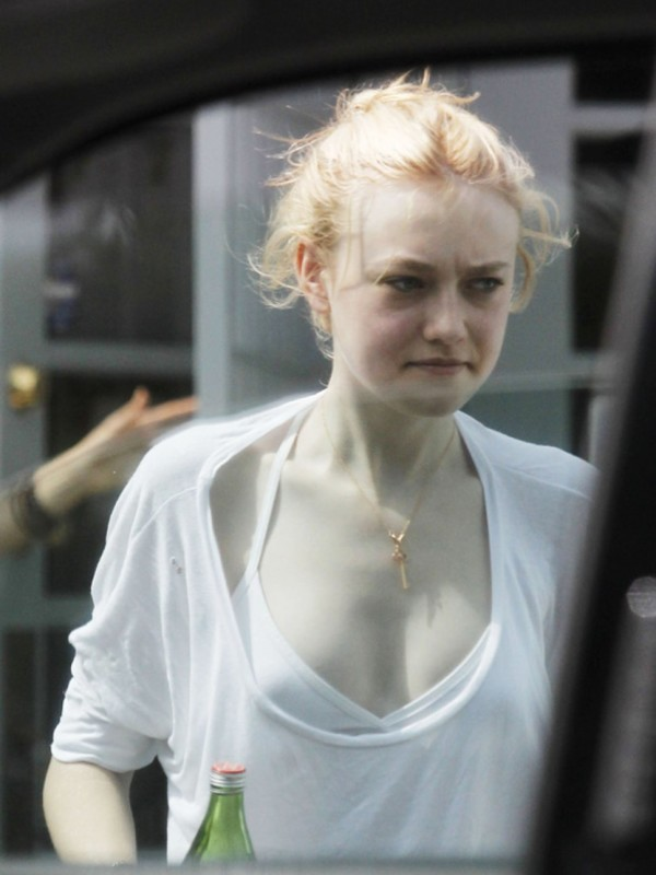dakota fanning going out without makeup