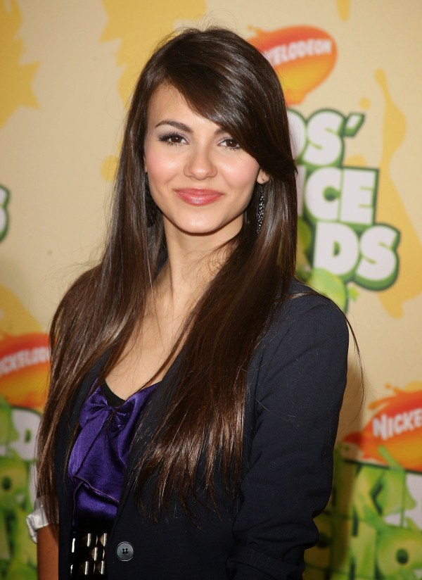 how old is victoria justice