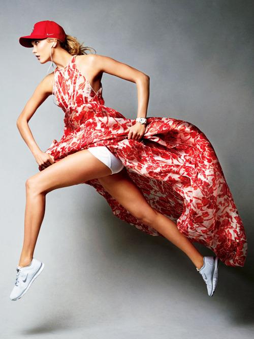 karlie kloss legs