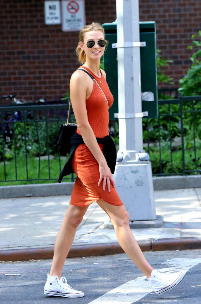 karlie kloss walk