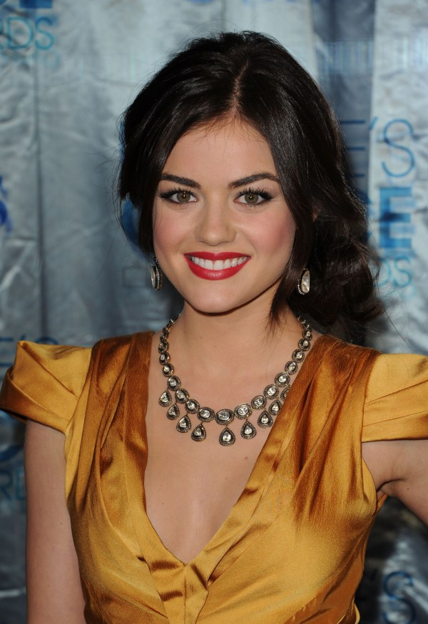 lucy hale cleavage