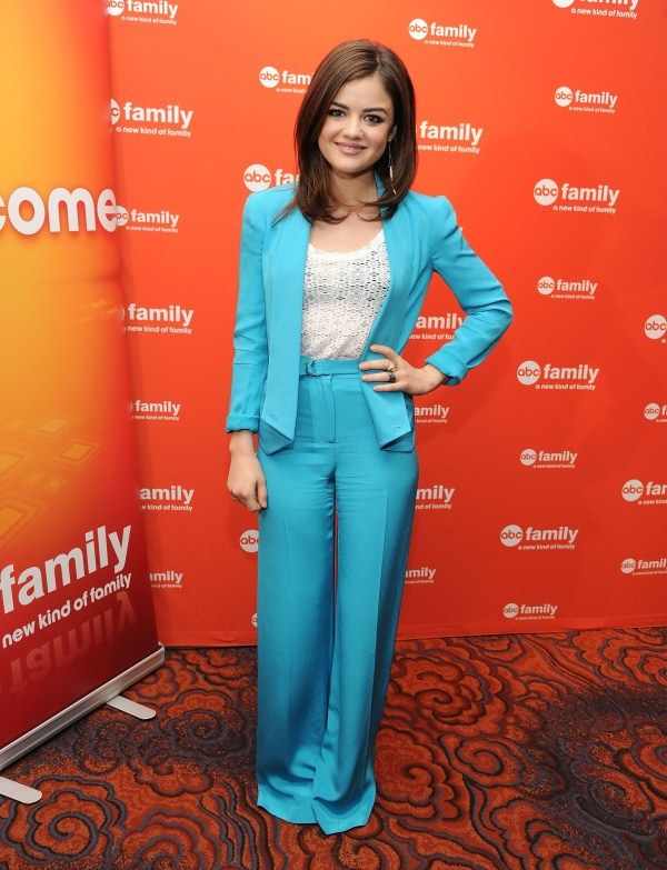 lucy hale height and weight