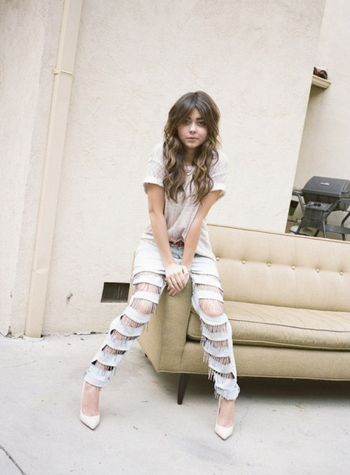 sarah hyland cotume and style