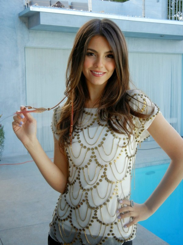 victoria justice in best dress