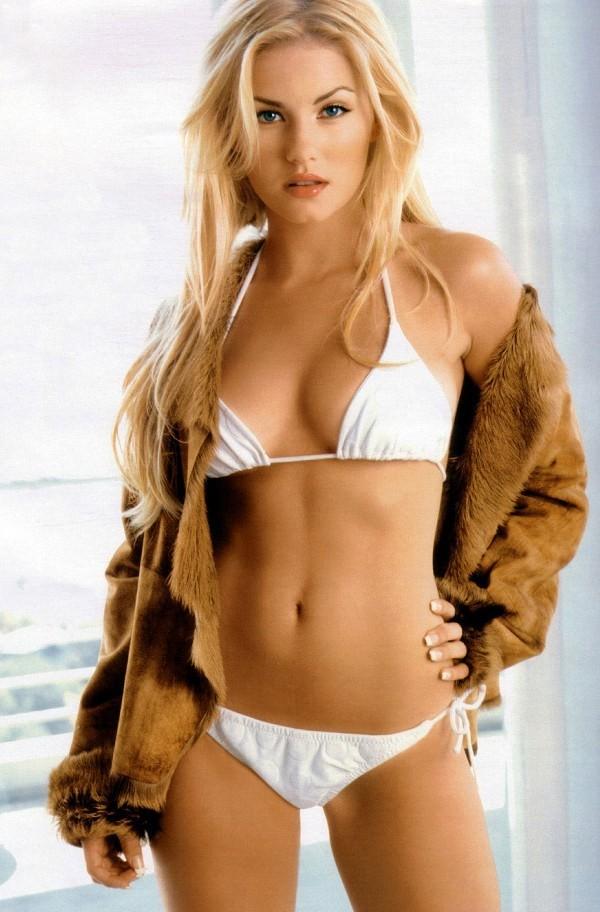 Elisha Cuthbert in sexy white bikini