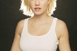 Elisha Cuthbert short hair