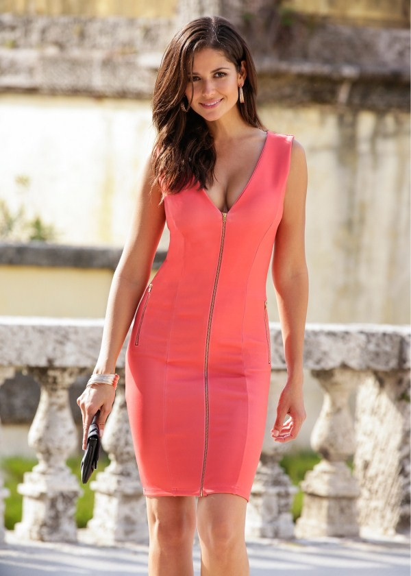 carla ossa cleavage and breast