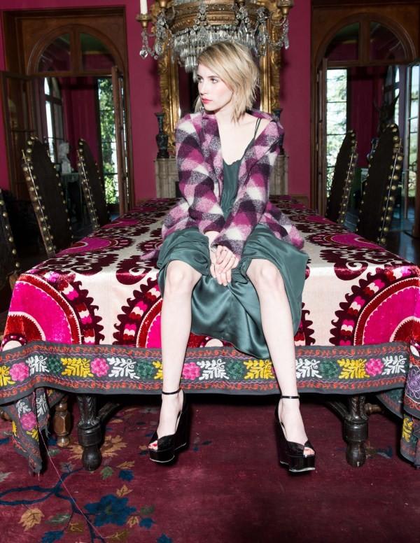 emma roberts has beautiful feet