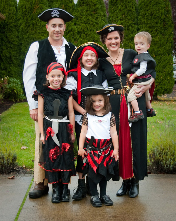 funny family halloween costume ideas