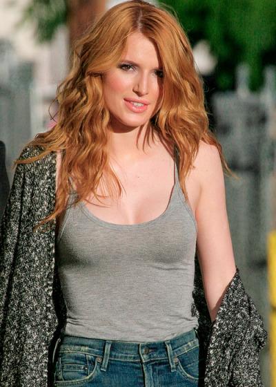 Bella Thorne boobs