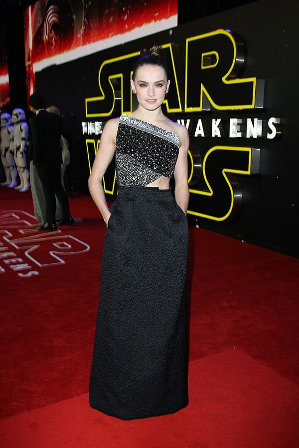 daisy ridley red carpet appearance