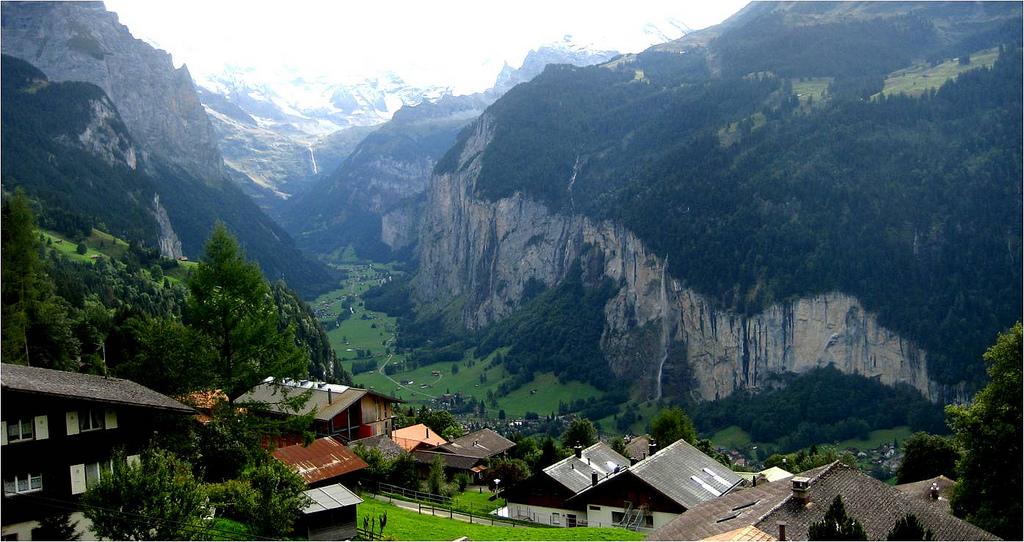 lauterbrunnen-valley-switzerland