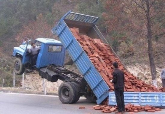 this-truck-driver-who-just-has-leaned-the-hardest-lesson-of-his-life