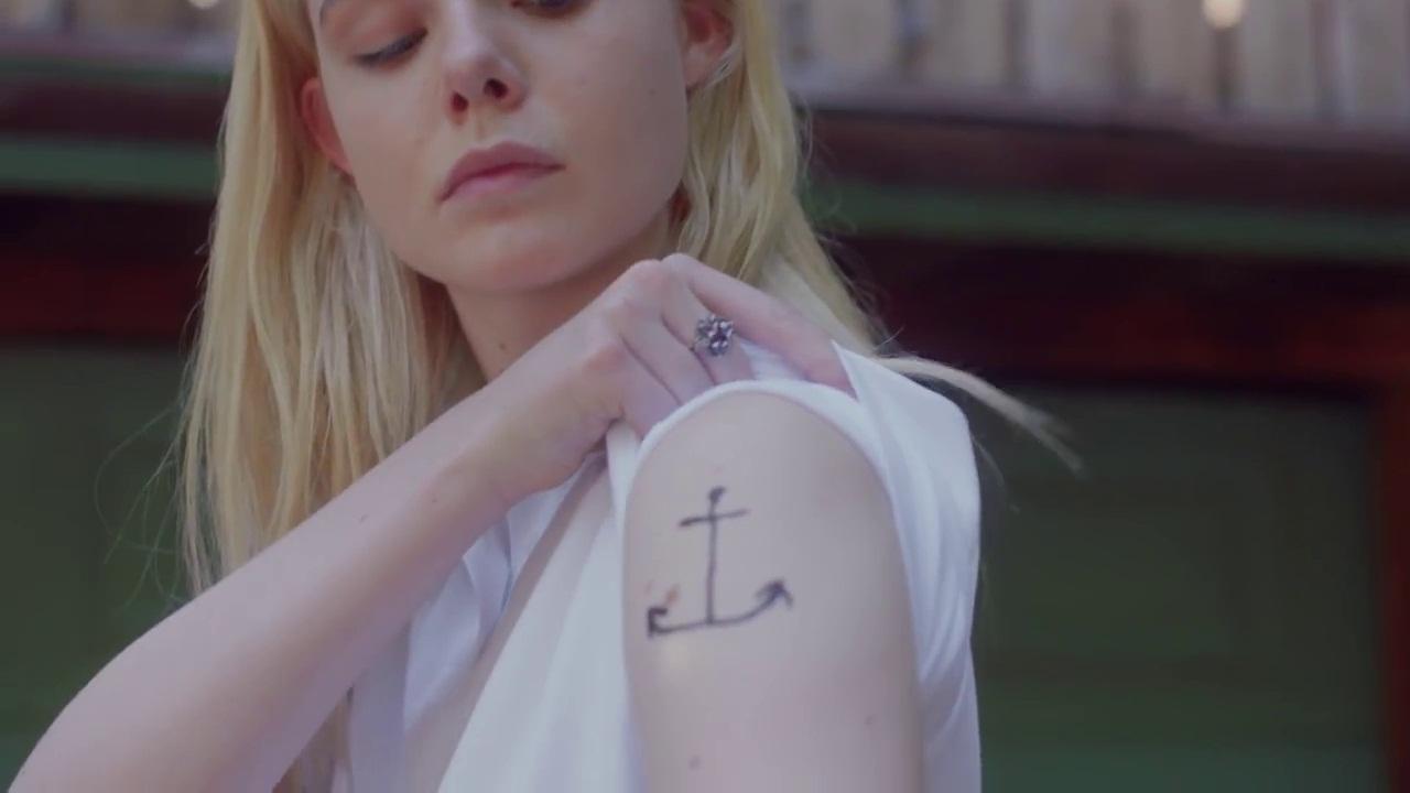 elle-fanning-tattoo