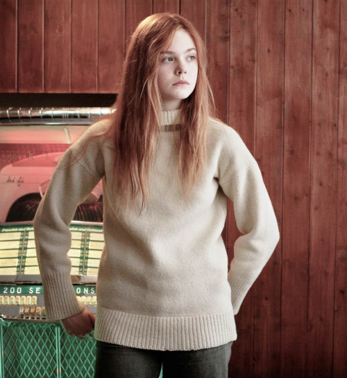 elle-fanning-winter-fashion