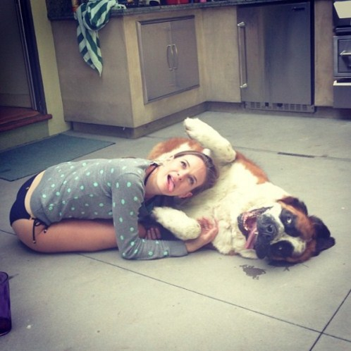 danielle-panabaker-with-pet-dog