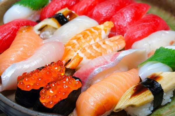 Sushi means 'Raw fish'