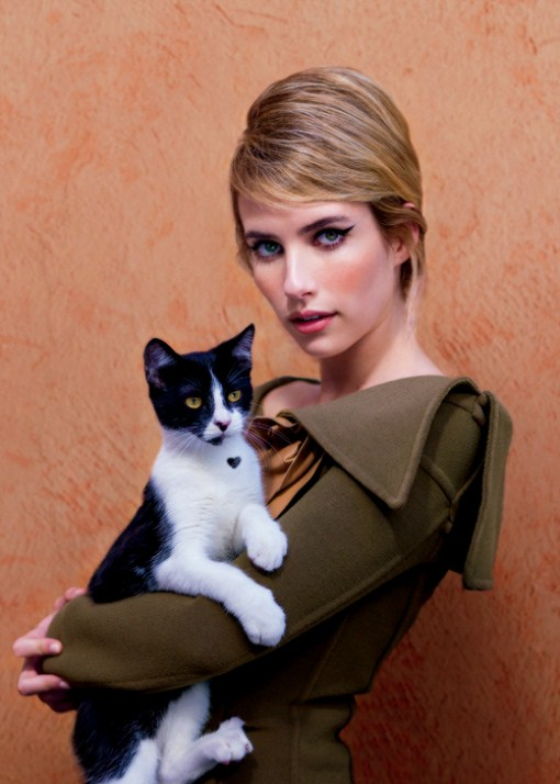 emma roberts and her pet kitten
