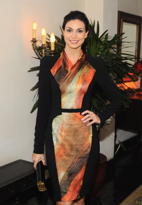 Morena Baccarin in house
