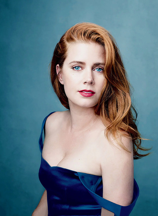 look at amy adams breasts