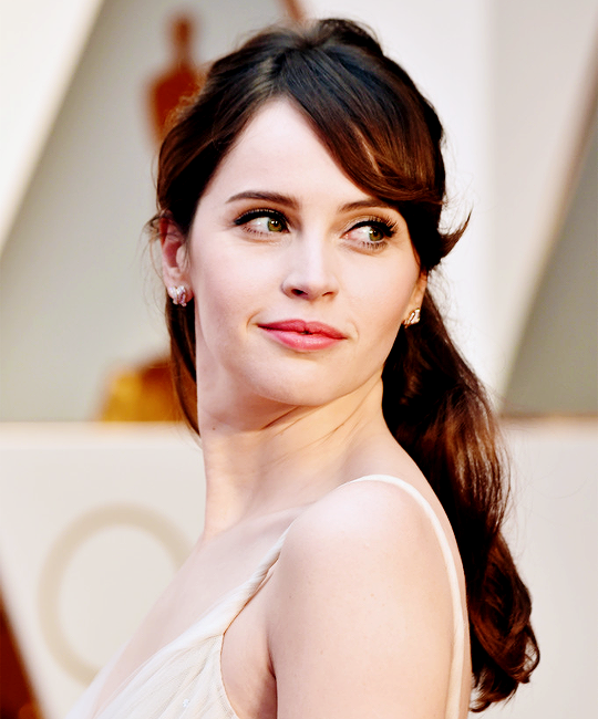 felicity jones beautiful
