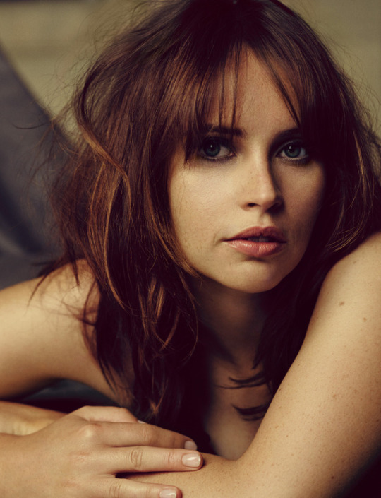 felicity jones hot pics