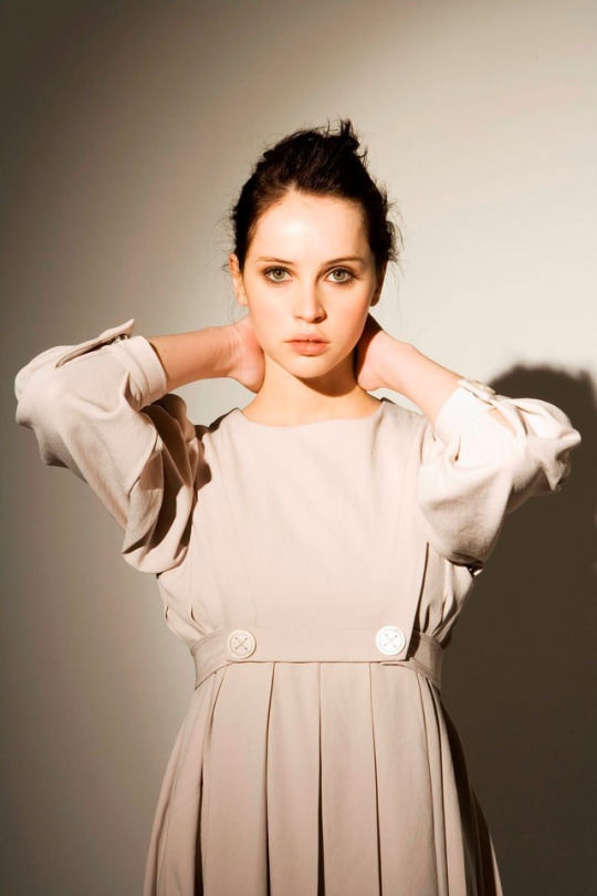 felicity jones sexy photos
