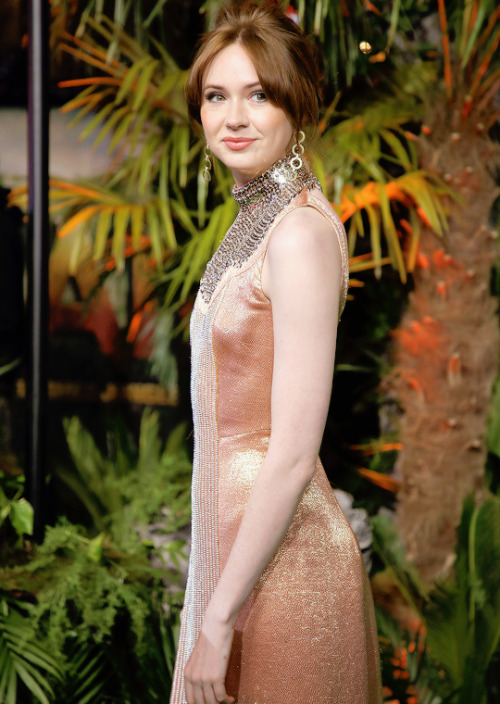 karen gillan dress