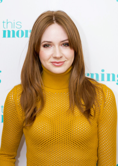 karen gillan hair color