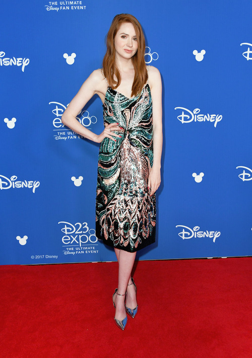 karen gillan red carpet look